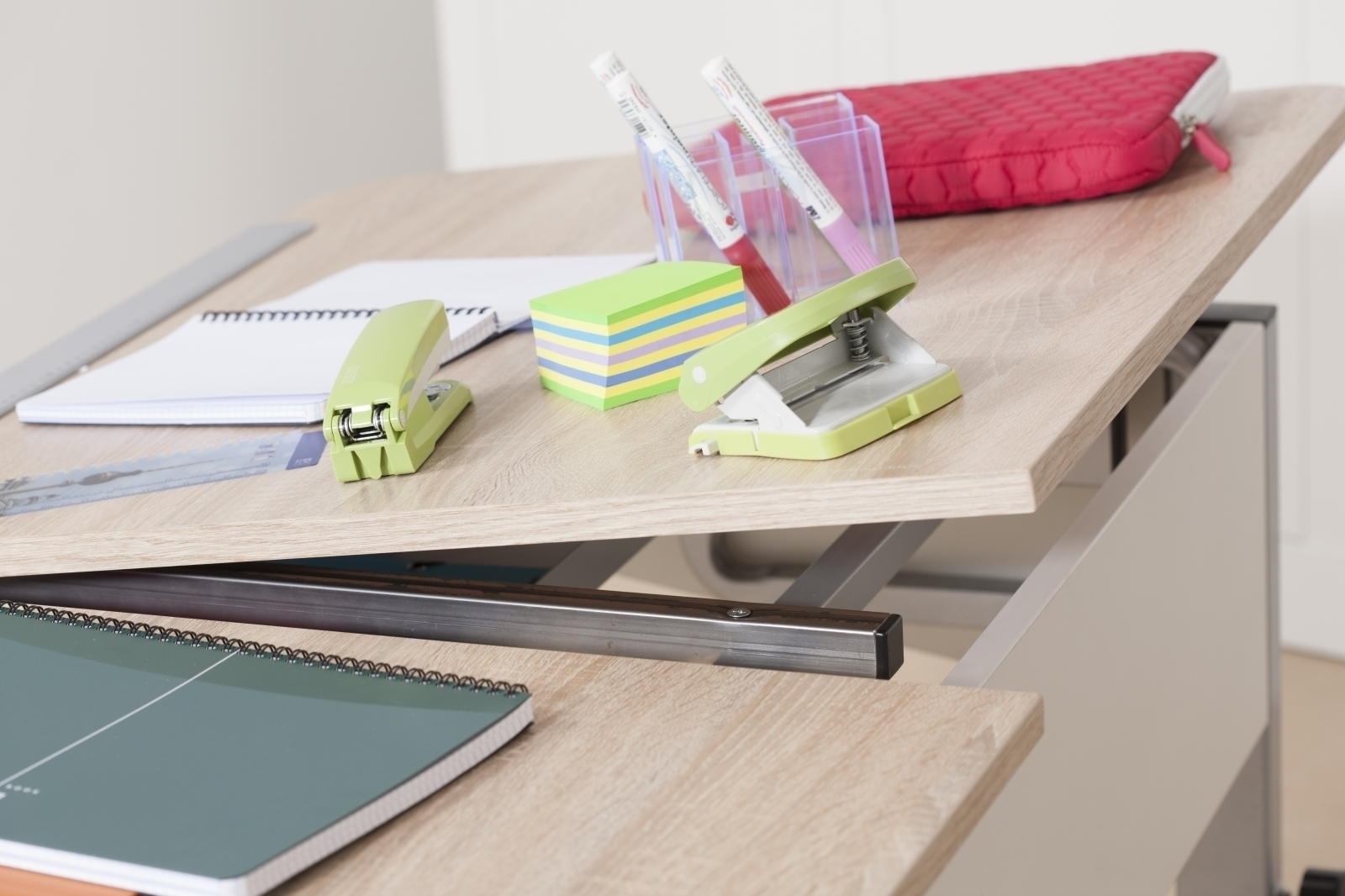 kettler schreibtisch cool top ii silber weiss. Black Bedroom Furniture Sets. Home Design Ideas